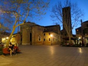 Campo San Giacomo dell' Orio at night