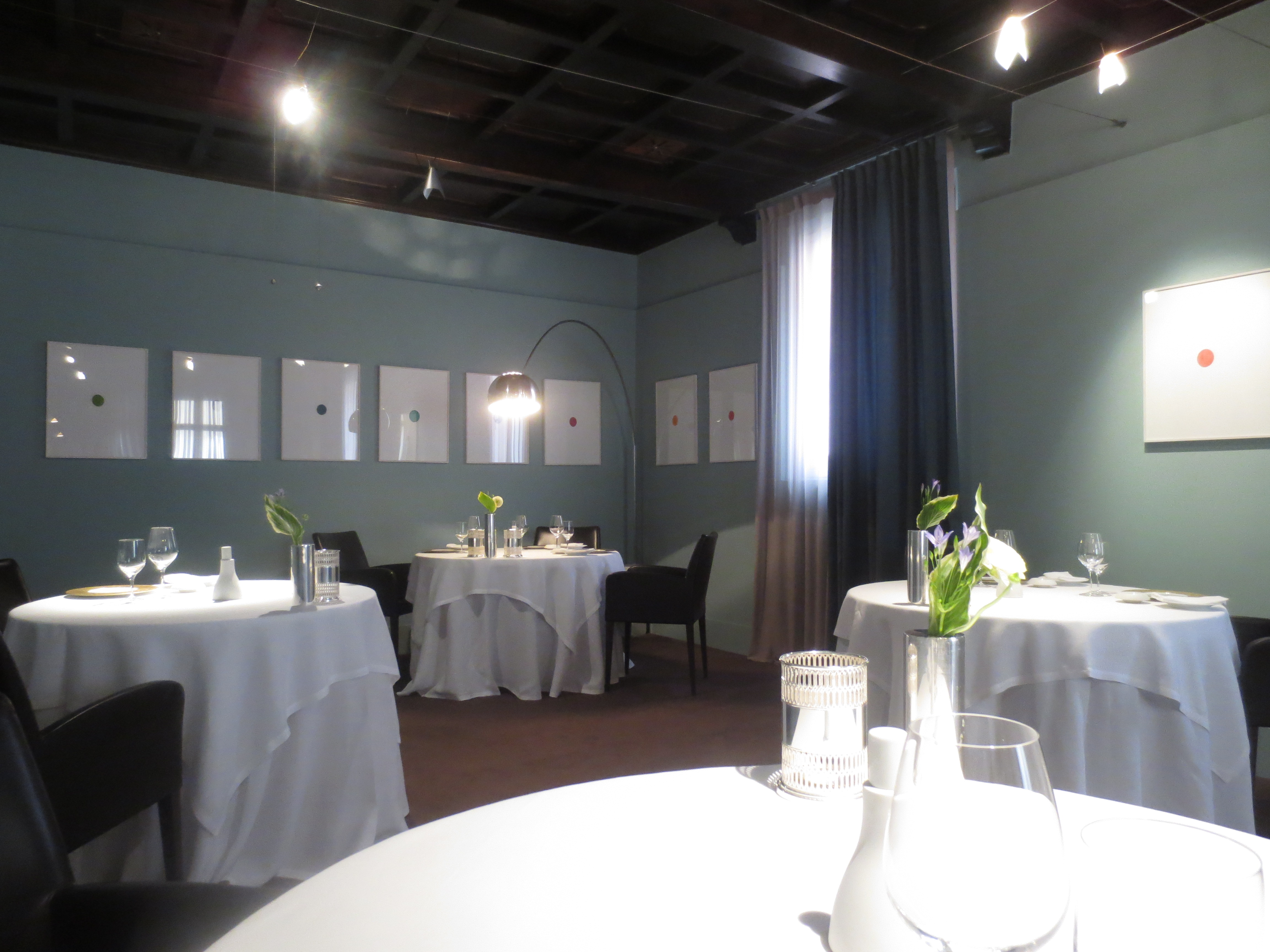 Lunch at osteria francescana modena italy travel gourmet for Kitchen set modena